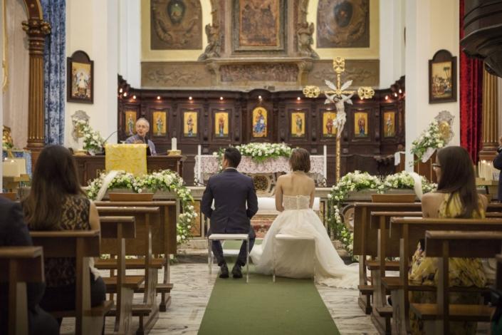 celebrazione matrimonio sposi nel castello maresca puglia