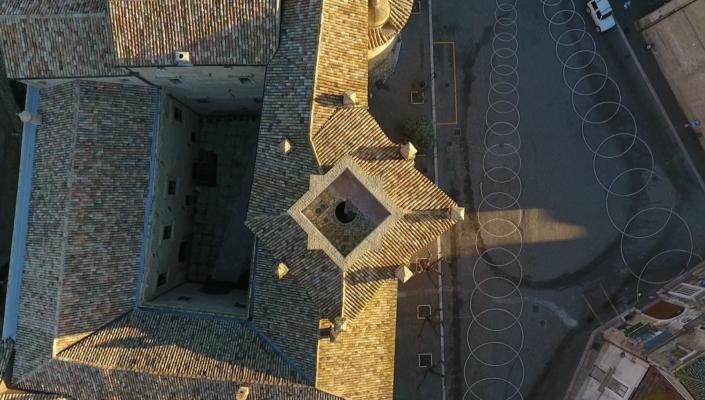 torre vista dall'alto del castello maresca per cerimonie in puglia